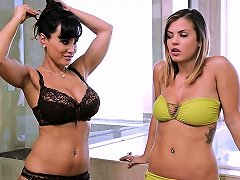 Lisa Ann And Keisha Grey At Mommy's Girl Porn F8 Xhamster