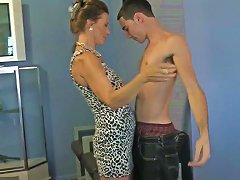 Mature Woman Blowing The Cock Of A Young Male Upornia Com