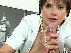 Unfaithful English Milf Lady Sonia Shows Her Giant Breasts72 Nuvid